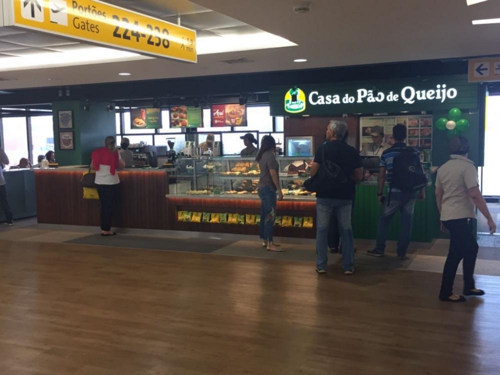 Casa do Pão de Queijo, GRU Airport, T2, Embarque.